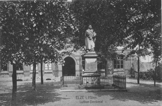 Lutherdenkmal Elze Kirchplatz Hauptstraße 62