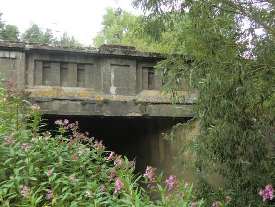 Saale Unterführung unter die Bahn (östllich)
