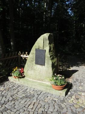 Dr. Hubert Benthues Denkmal Elze 2012