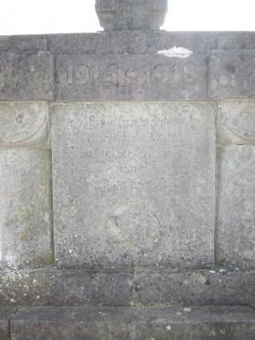 Denkmal Erster Weltkrieg Mehle Urbanus Kirche Richtung Westen