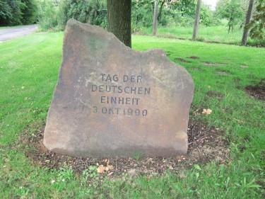 Gedenkstein Tag der deutschen Einheit Wittenburg Elze Boitzumer Weg Burgweg