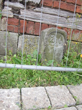 Kilometerstein Sorsum bei Elze Wittenburger Straße Ecke An der Beeke
